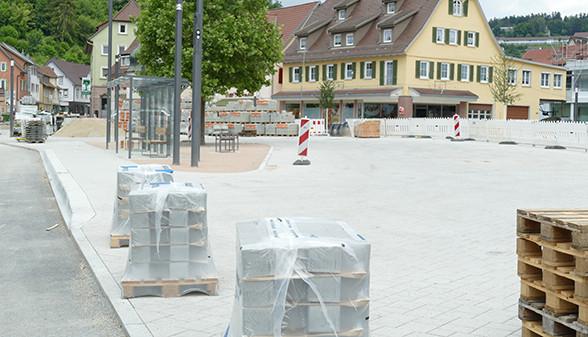 Marktplatz mit neuem Pflaster