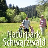 Link zur Seite Naturpark Schwarzwald - Familie wandert